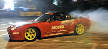 Martinez drifts the Motul-Autoplus S13
